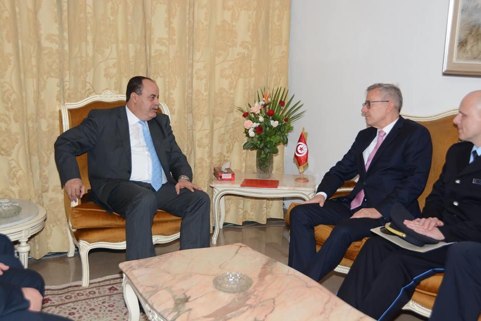 tunisie un bureau national de lutte contre la falsification des documents et l usurpation d. Black Bedroom Furniture Sets. Home Design Ideas
