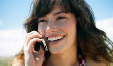 femme au télephone