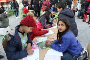 enfants à la foire du livre tunis