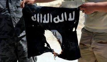 drapeau daech déchiré